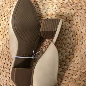 Universal Thread Shoes - Universal Thread - mule heels sz 6.5
